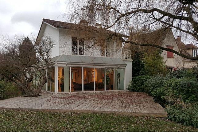 Thumbnail Property for sale in Île-De-France, Val-De-Marne, Sucy En Brie