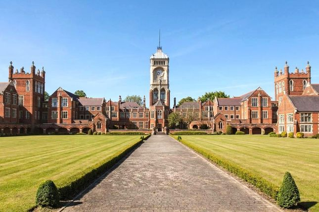 Thumbnail Flat for sale in Royal Connaught Drive, Bushey
