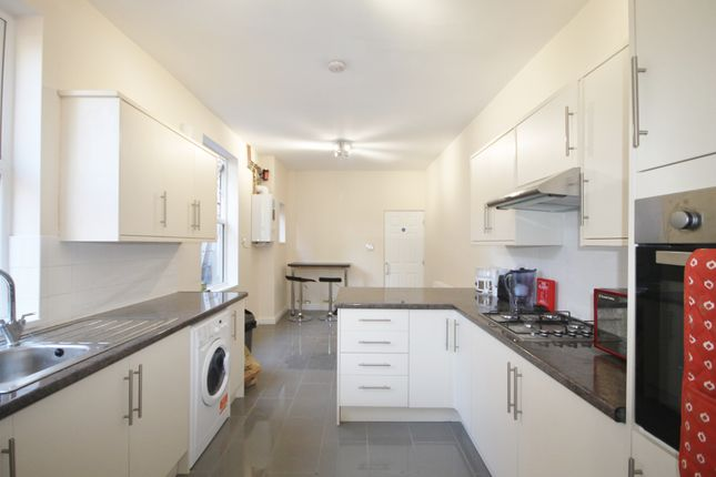 Thumbnail Terraced house to rent in Knighton Road, Clarendon Park, Leicester