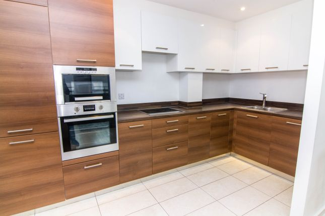 Thumbnail Flat to rent in Harbinger Road, London