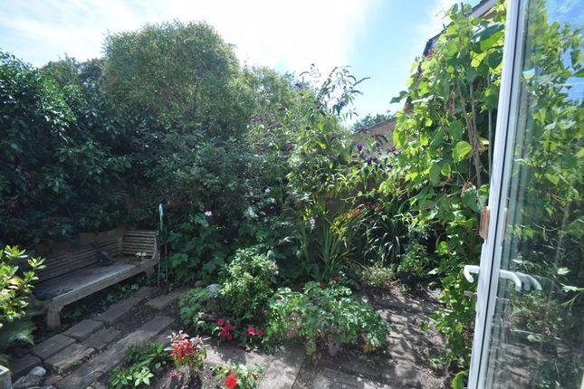 Garden of Coxmoor Close, Church Crookham, Fleet GU52