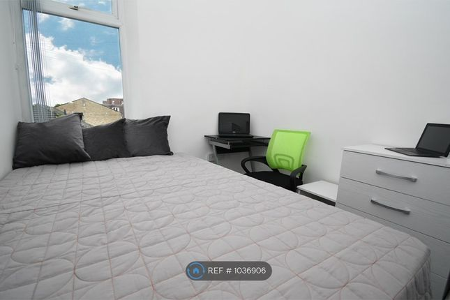 Room to rent in Colbran Street, Burnley BB10