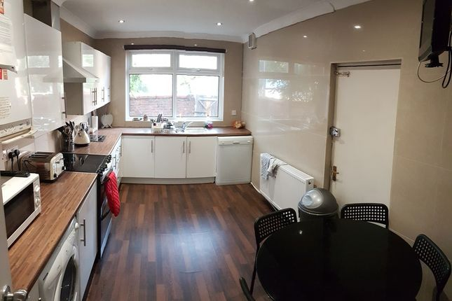Thumbnail Terraced house to rent in Monica Grove, Bills Inc, Manchester
