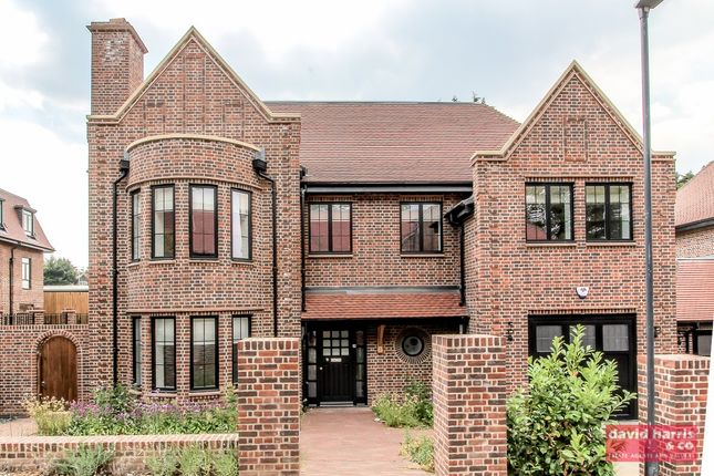 Thumbnail Barn conversion to rent in Chandos Way, Wellgarth Road, London