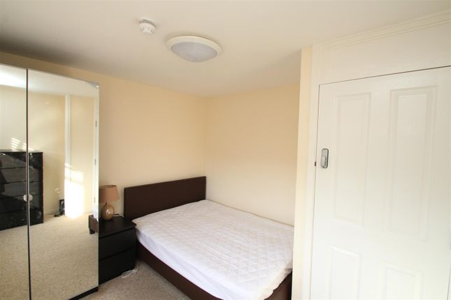 Thumbnail Room to rent in Barley Croft, Leverstock Green, Hemel Hempstead