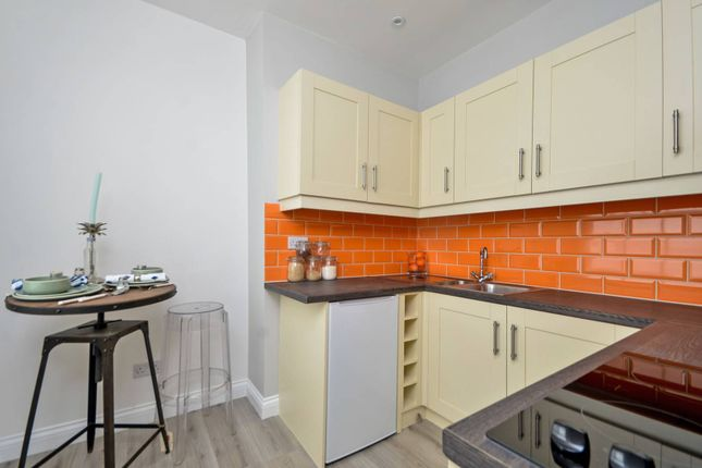 Thumbnail Flat to rent in Woolwich Road, Charlton