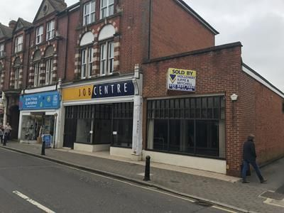 Thumbnail Retail premises to let in 14 Chapel Street, Petersfield, Hampshire