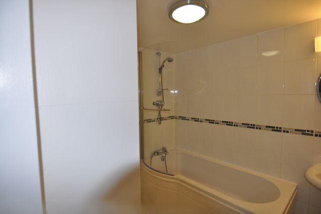 Bathroom of Palatine Road, West Didsbury, Didsbury, Manchester M20