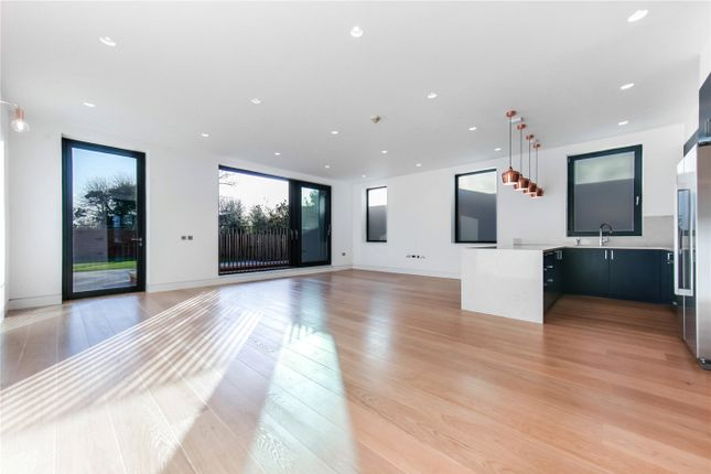 Thumbnail Property to rent in Elm Avenue, Ealing, London
