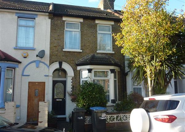 3 bed property for sale in Kimberley Road, London