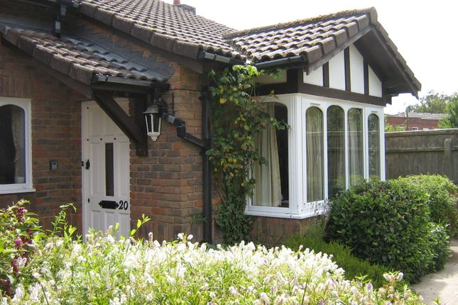 Thumbnail Bungalow to rent in Stratford Place, Lymington