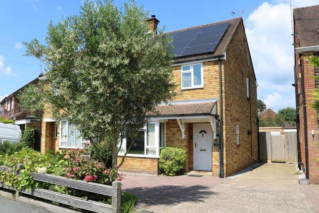 Thumbnail Semi-detached house for sale in Cedar Avenue, Hazlemere, High Wycombe