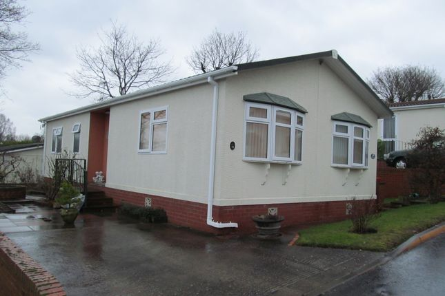 Thumbnail Mobile/park home for sale in Highly Park, Bridgnorth, Shropshire