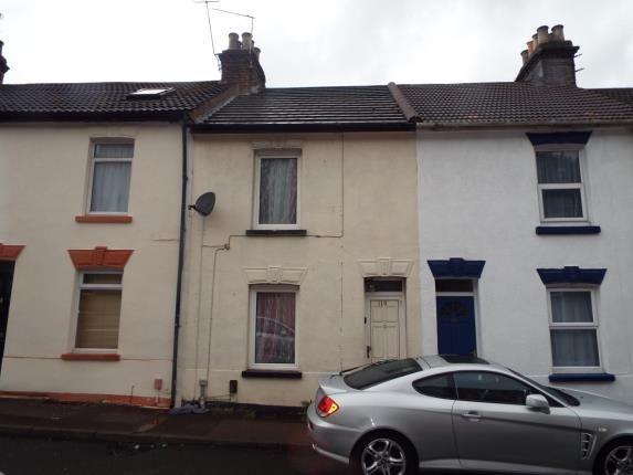 Thumbnail Property for sale in Dale Street, Chatham, Kent