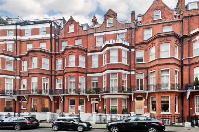 Thumbnail Studio to rent in Egerton Gardens, Knightsbridge, London