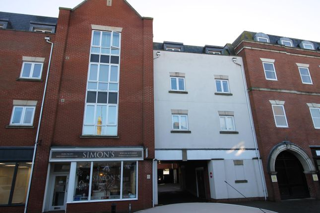 Thumbnail Flat to rent in Crouch Street, Colchester