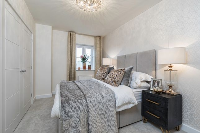 2 bedroom flat for sale in Jubilee Meadows, Hersham Road, Hersham, Surrey