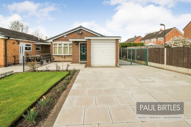 Thumbnail Bungalow to rent in Woodhouse Road, Davyhulme