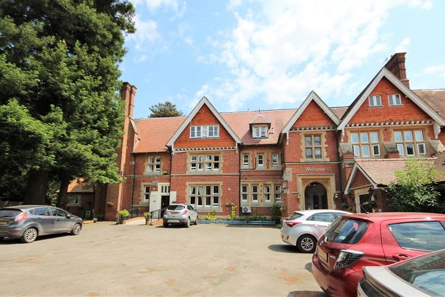 Flat for sale in Jouldings Lane, Farley Hill, Reading