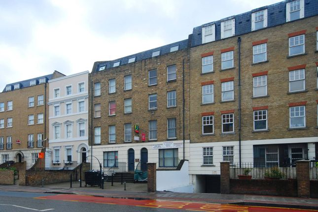 Thumbnail Flat to rent in Hackney Road, Bethnal Green