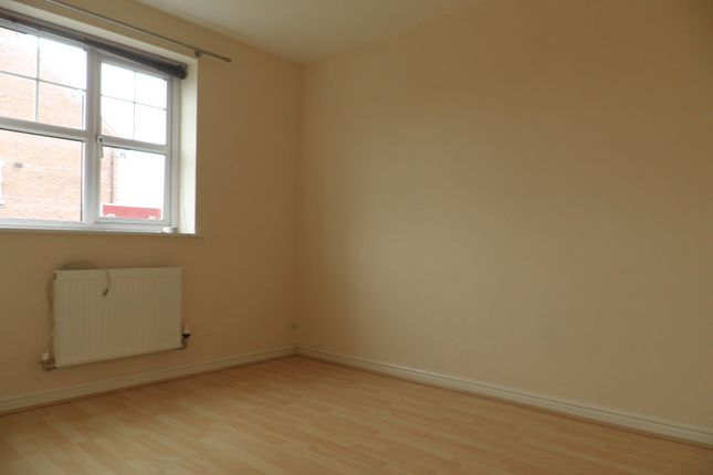 Thumbnail Flat to rent in Lloyds Way, Bishopton, Stratford-Upon-Avon