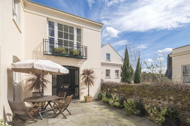 Thumbnail Property for sale in Gloucester Gate, Regent's Park, London