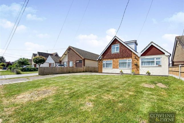 3 bed property for sale in Downham Road, Wickford, Essex SS11