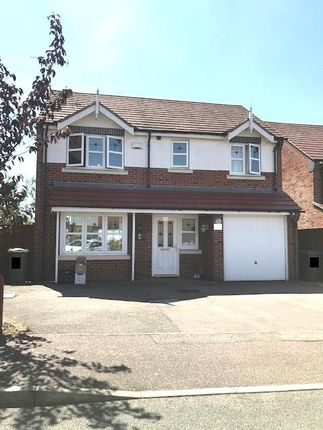 Thumbnail Property to rent in Flatford Close, Corby