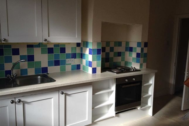 2 bed flat to rent in Oakbrook Road, Sheffield