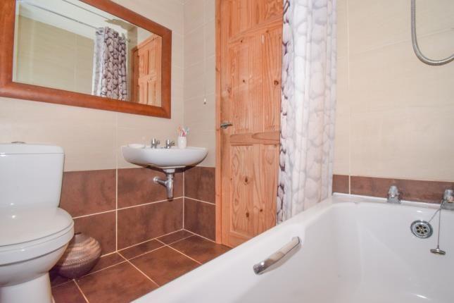 Bathroom of Gelert Avenue, Leicester, Leicestershire, East Midlands LE5