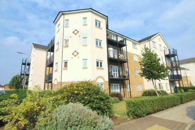 Thumbnail Flat for sale in Enstone Road, Enfield