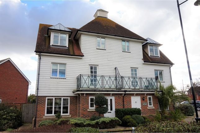 3 bed semi-detached house for sale in The Avenue, Chatham