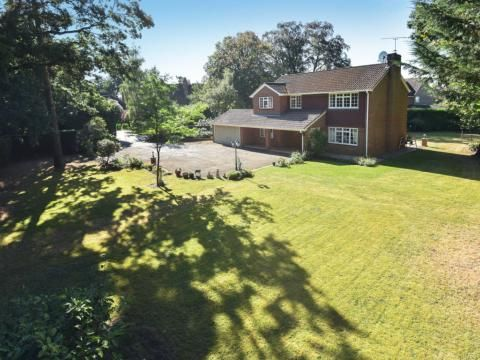 1 bed property to rent in The Maultway, Camberley GU15