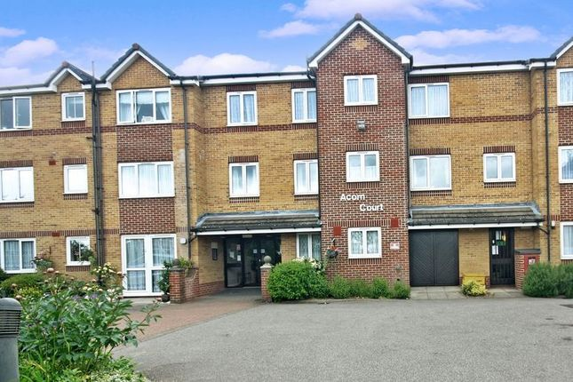 Thumbnail Flat for sale in Acorn Court, Waltham Cross