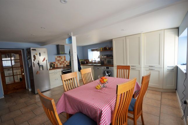 Thumbnail Semi-detached house for sale in Butts Pond, Sturminster Newton