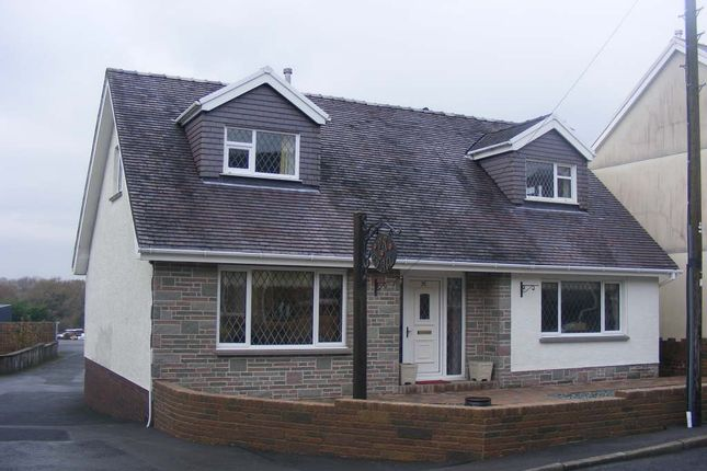 Thumbnail Detached house to rent in Bethesda Road, Tumble, Tumble, Carmarthenshire