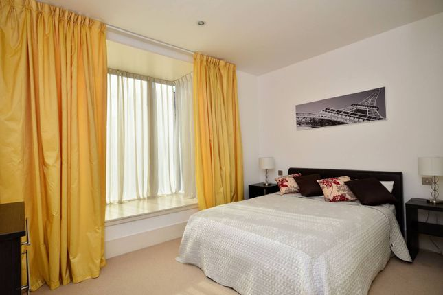 Thumbnail Flat to rent in Rayners Road, Putney