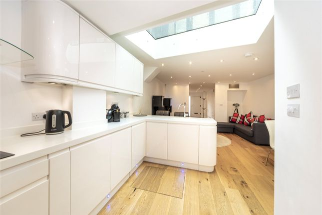 Thumbnail Flat to rent in Bridle Lane, Twickenham