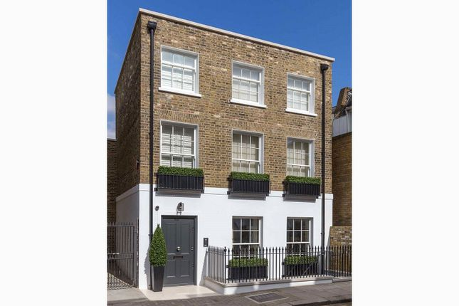 Thumbnail Property for sale in St Luke's Street, London