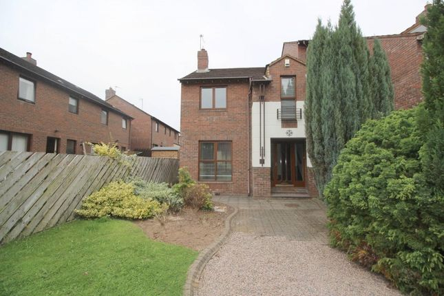 Thumbnail Town house to rent in Laganvale Manor, Stranmillis, Belfast