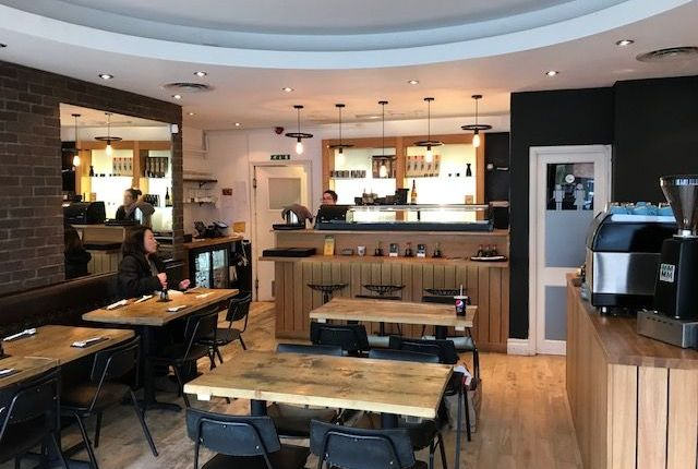 Restaurant/cafe to let in Finchley Road, Golders Green