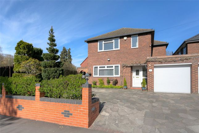 4 bed detached house for sale in Park Avenue, Watford, Hertfordshire WD18