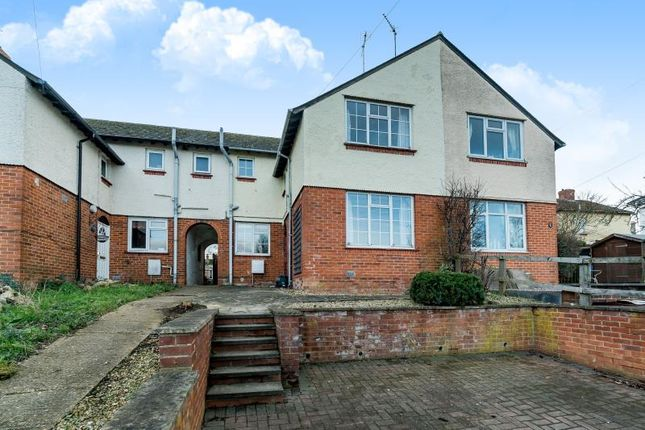 Thumbnail Semi-detached house to rent in Bourton Road, Buckingham
