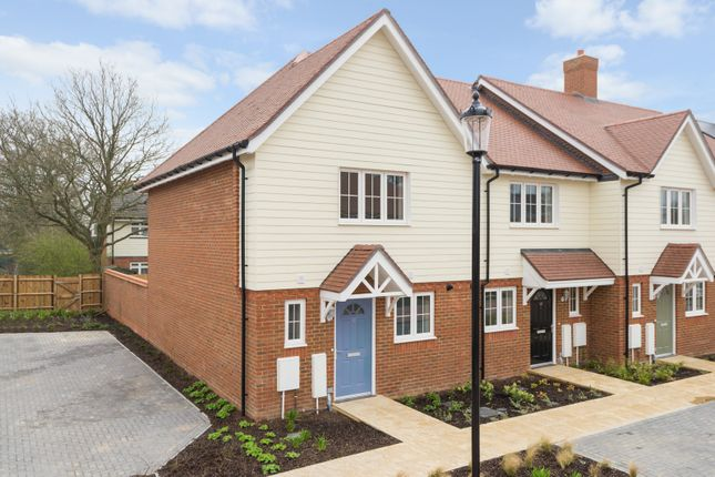 2 bed property for sale in The Weavers, Grigg Lane, Headcorn