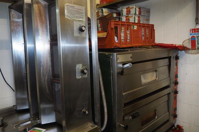 Photo 3 of Hot Food Take Away HD8, Kirkburton, West Yorkshire