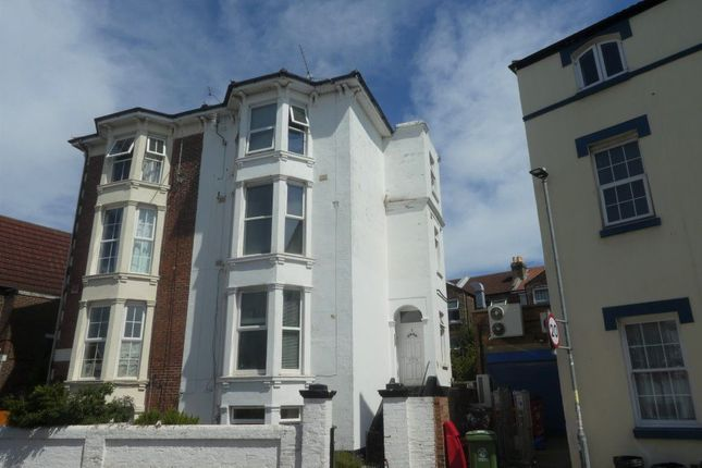 Thumbnail Flat to rent in Kenilworth Road, Southsea