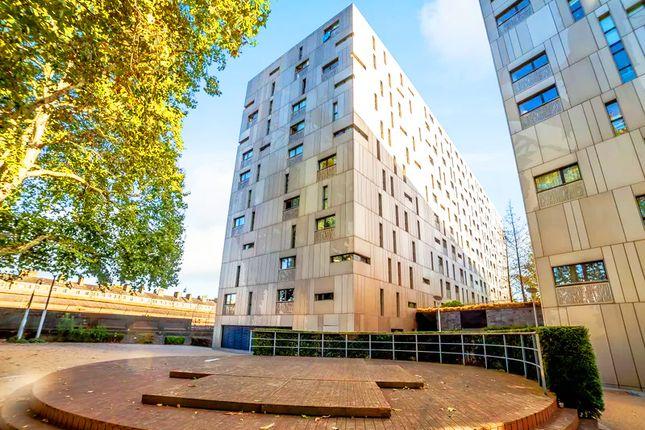 Thumbnail Flat for sale in Gatliff Road, Chelsea, London