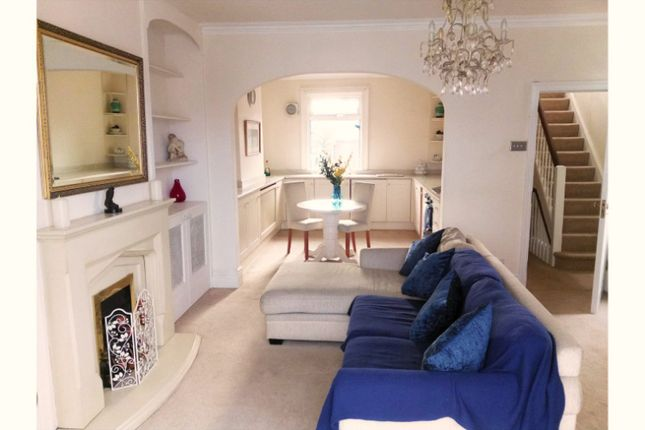 Living Area of Thames Side, Reading RG1