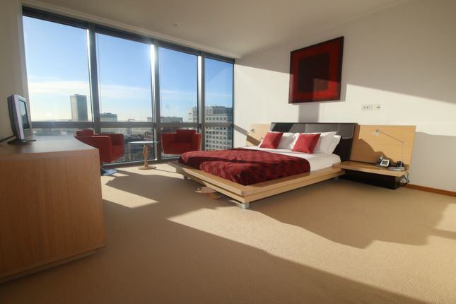 Thumbnail Flat to rent in West India Quay, Hertsmere Road