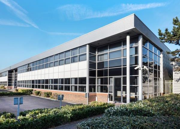 Thumbnail Industrial to let in 689 Stirling Road, Slough Trading Estate